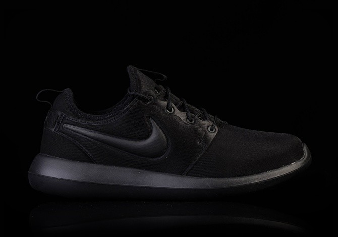 NIKE ROSHE TWO TRIPLE BLACK