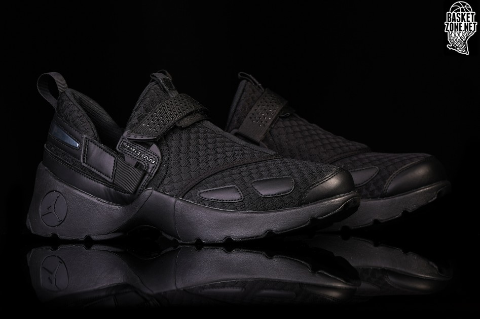 the latest f8064 14bc8 NIKE AIR JORDAN TRUNNER LX BLACKOUT. 897992-020. PREZZO  €105 ...