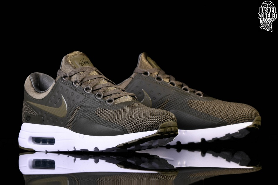 NIKE AIR MAX ZERO ESSENTIAL MEDIUM OLIVE price €115.00  b636617e41d9