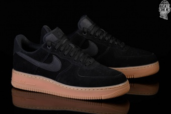 1f1f85bf156 NIKE AIR FORCE 1 '07 LV8 SUEDE BLACK voor €109,00 | Basketzone.net