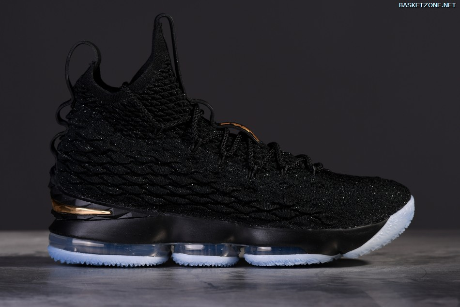 ... low price nike lebron 15 black mettalic gold 74a4a 4cf7b ... be1d0d8db9