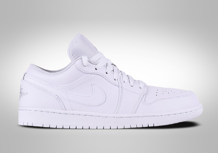 best sneakers 1d4e5 b6f3b NIKE AIR JORDAN 1 RETRO LOW TRIPLE WHITE