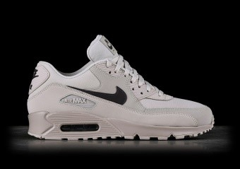 finest selection ee339 1383e NIKE AIR MAX 90 ULTRA MID WINTER BLACK pour €157,50   Basketzone.net
