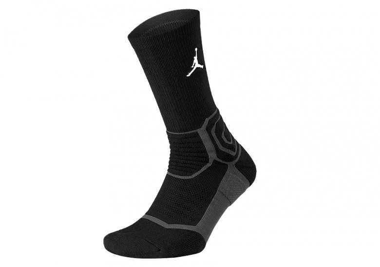 NIKE AIR JORDAN ULTIMATE FLIGHT CREW 2.0 BASKETBALL SOCKS BLACK